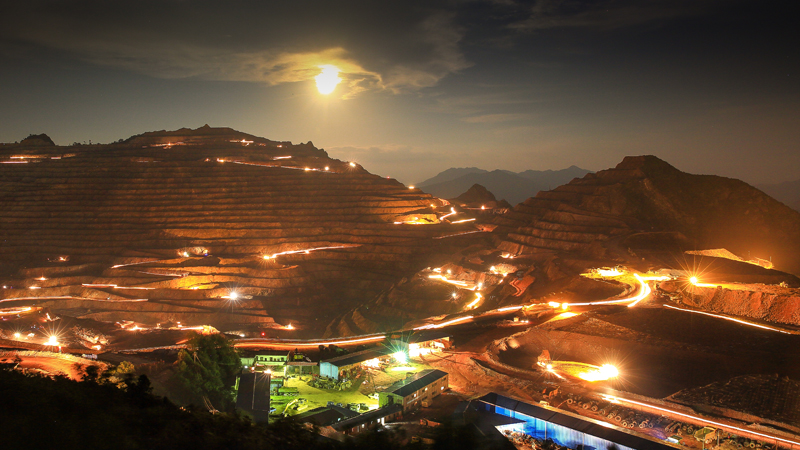 Zijinshan gold & copper mine into the night